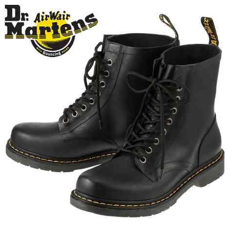 革靴を履く男性とスニーカーを履く男性どちらが好きですか?
