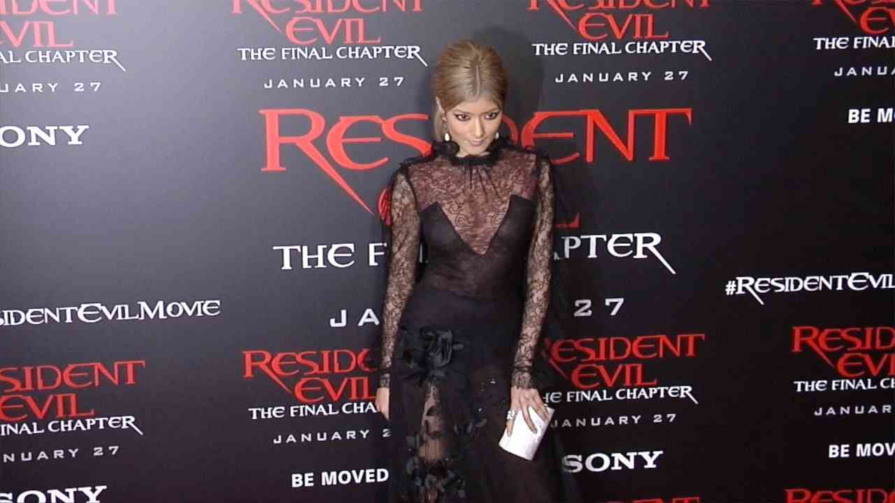 """Rola """"Resident Evil: The Final Chapter"""" LA Premiere Red Carpet - YouTube"""