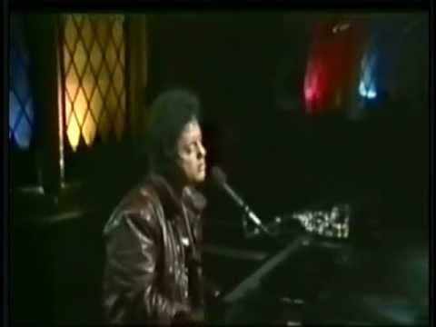 Billy Joel - She's Got A Way live - YouTube
