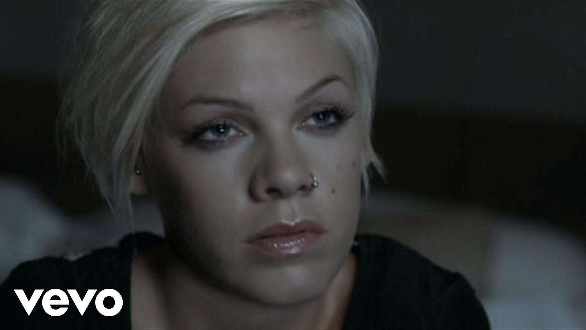 P!nk - Nobody Knows - YouTube