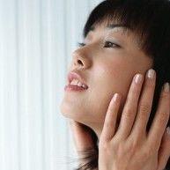 【超簡単】老け顔「ゴルゴ線」を1日3分の習慣でふっくら若返り頬に - NAVER まとめ
