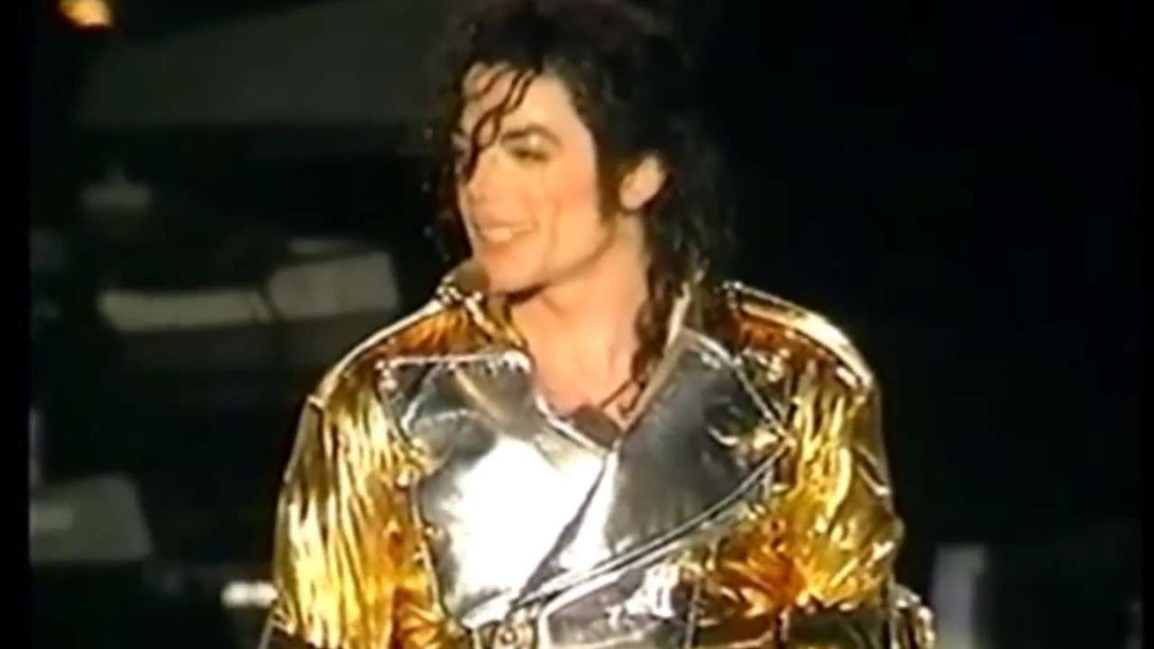Michael Jackson  ~HIStory Tour~In The Closet~ - YouTube