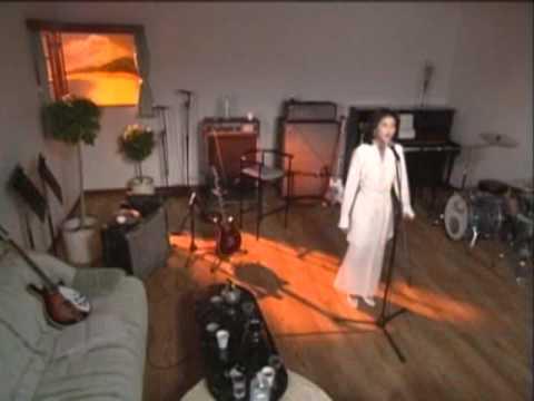 森高千里 『夏の日』 (PV) - YouTube