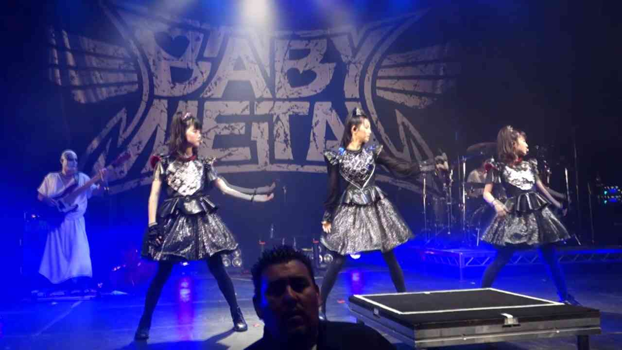Babymetal LIVE in Hollywood Palladium 2017 From Dusk Till Dawn FANCAM COMPILATION - YouTube