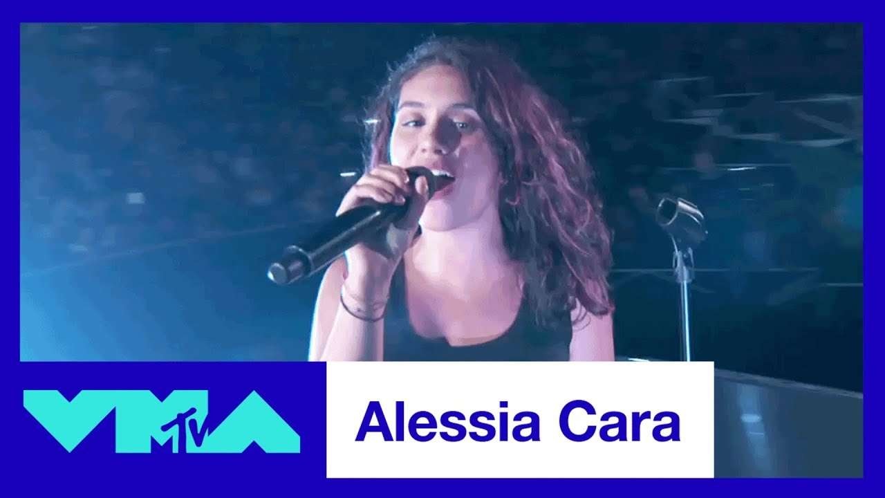 """Alessia Cara Performs """"Scars To Your Beautiful"""" 