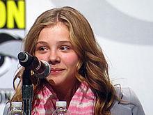 クロエ・グレース・モレッツが15歳で受けた屈辱 共演俳優に体型を批判されて