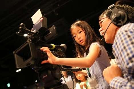 NGT48劇場で小学生が職業体験 未来のメンバー、技術スタッフ候補に!?