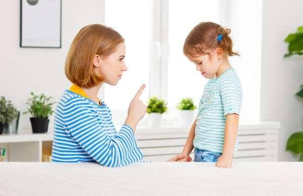 「叱る子育て」「褒める子育て」結局、どっちなの? | わが子を叱れない親 | ママの知りたいが集まるアンテナ「ママテナ」