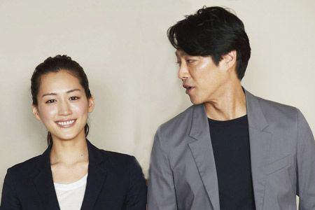 女優・綾瀬はるかが俳優・堤真一のプロポーズを断っていた!?|MARBLE [マーブル]
