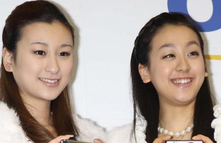 """浅田舞&真央姉妹、初の""""サシ飲み"""" 真央さん誕生日、2人きりで祝う"""