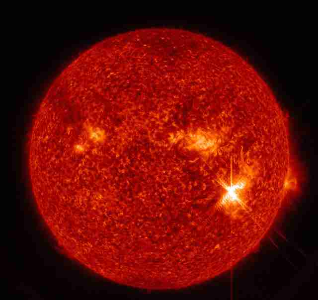 大規模な「太陽フレア」観測 通信障害の可能性も:朝日新聞デジタル