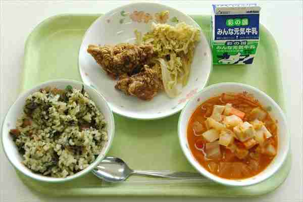 町導入の中学校給食「まずい」食べ残す生徒続々