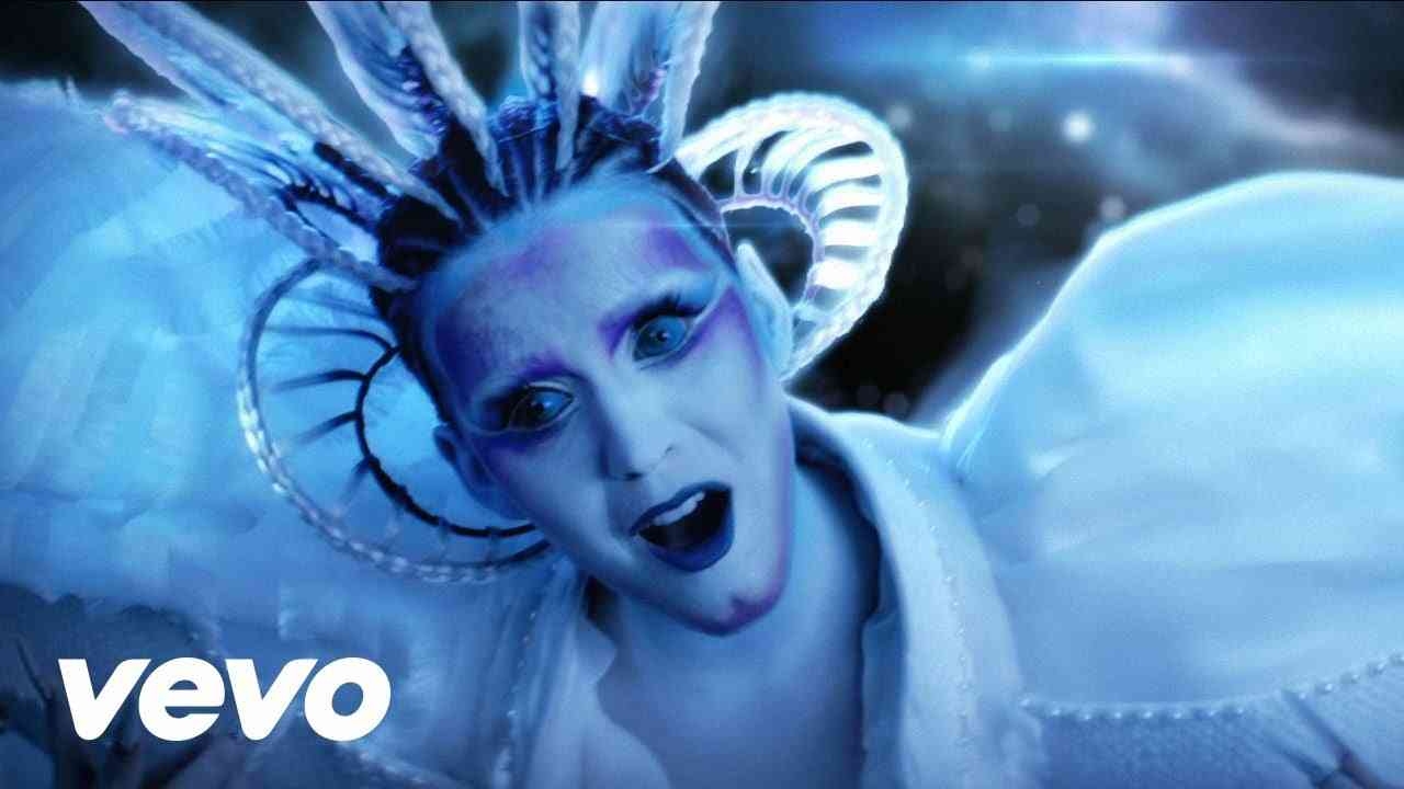 Katy Perry - E.T. (Official) ft. Kanye West - YouTube