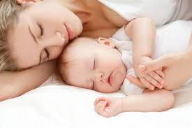 【反応】玄関に「赤ちゃん寝てます」と貼り紙をしていた結果…人の優しさに触れた! : ガールズ速報 がるそく!