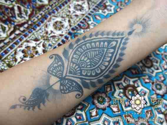 タトゥーを入れて「後悔」が9割 男性の半数は「タトゥーを入れた人は絶対に恋愛対象外」と回答