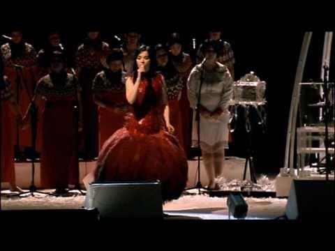 Björk - Jóga - YouTube