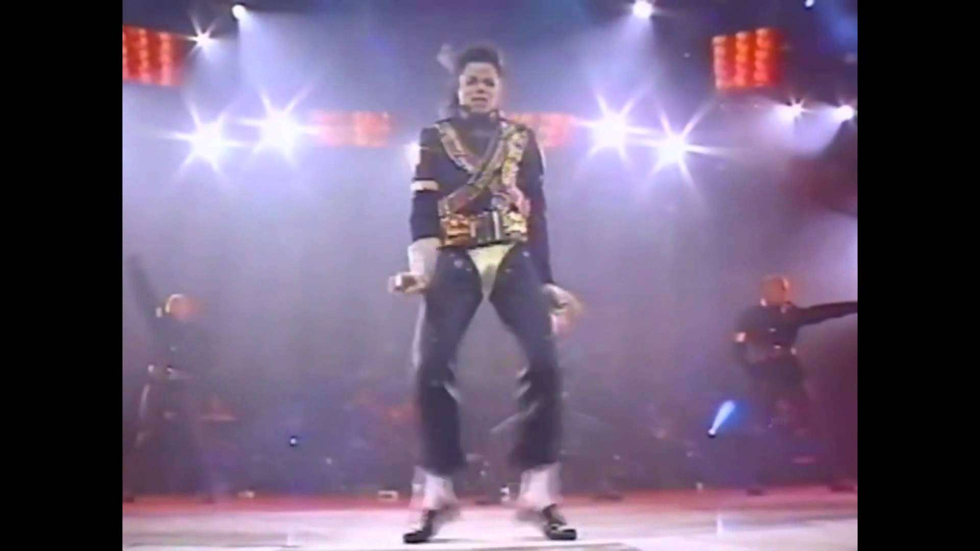 Michael Jackson Amazing Dance Moves On The Stage - YouTube