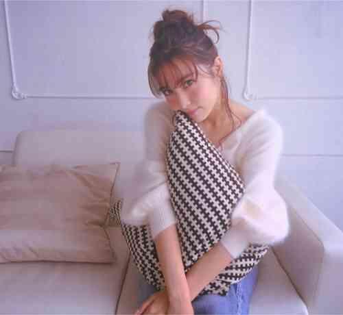 石川恋の上目遣いや横顔に「かわいすぎ!」の声 | Narinari.com