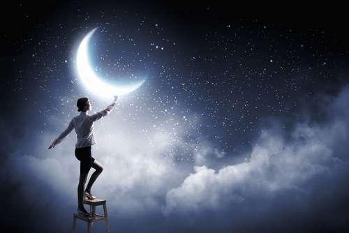新月の願い事でほぼ100%夢や願望を叶える!秘密の書き方