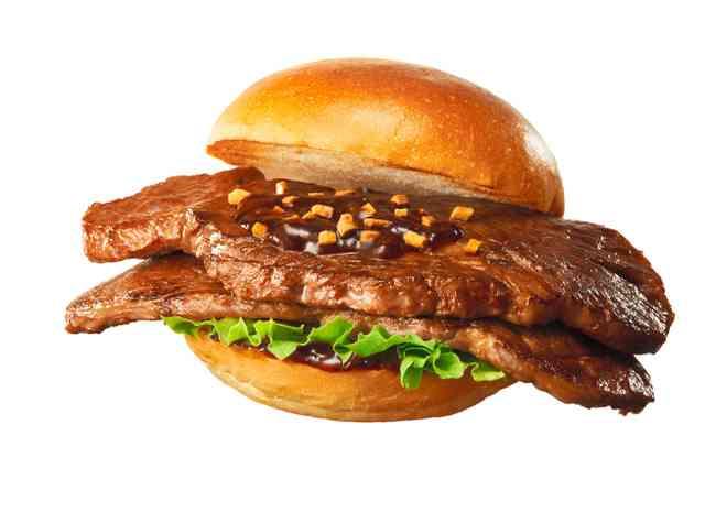 肉はみ出す1900円のステーキバーガー ロッテリア