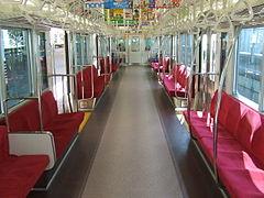 電車で必死に座ろうとする人の被害者