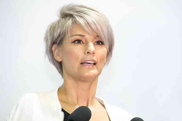 梅宮アンナが1カ月の美容代を明かす…ネイルに15万、美容院に10万