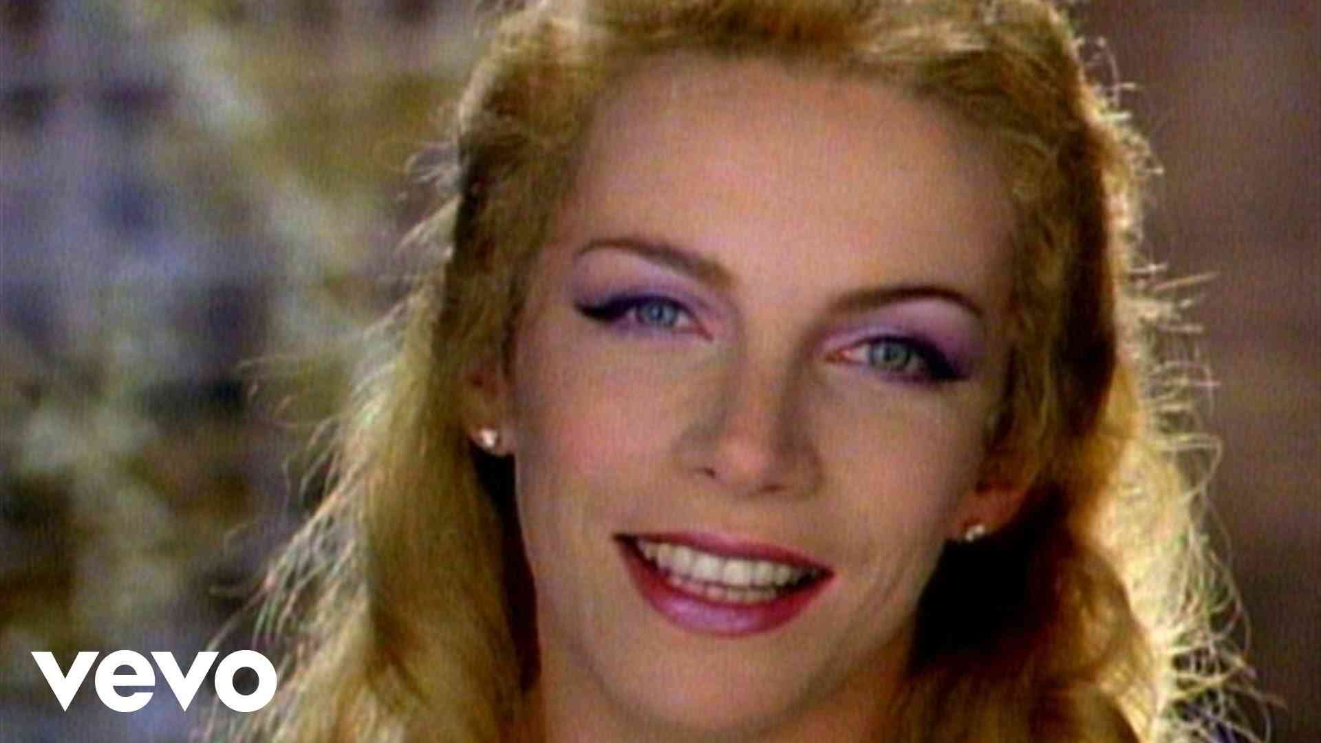 Eurythmics - There Must Be An Angel (Playing With My Heart) (Remastered) - YouTube