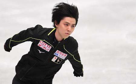 羽生結弦、氷上練習を再開できず「まだ痛みがある」 (日刊スポーツ) - Yahoo!ニュース