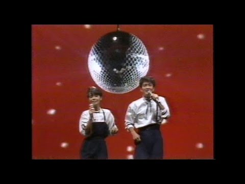 Toshi & Naoko 夏ざかり ほの字組 - YouTube