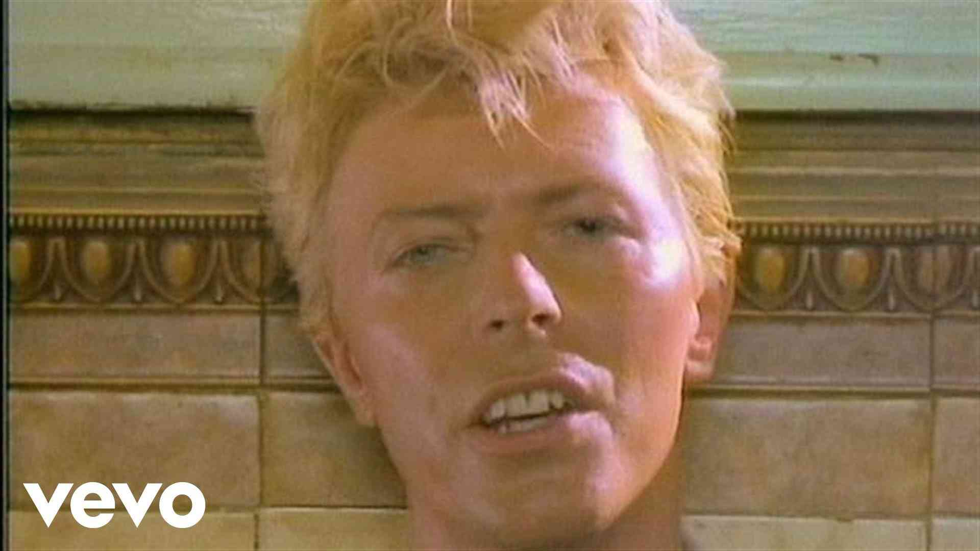David Bowie - Let's Dance - YouTube
