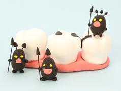歯が抜けたままではダメ! 抜歯後のセラミック歯治療とは