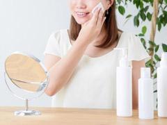 冬の乾燥肌をはねのけ、思わず触りたくなる潤い肌をつくる方法