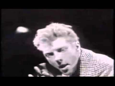 The Trashmen - Surfin Bird - Bird is the Word 1963 (RE-MASTERED) (ALT End Video) (OFFICIAL VIDEO) - YouTube