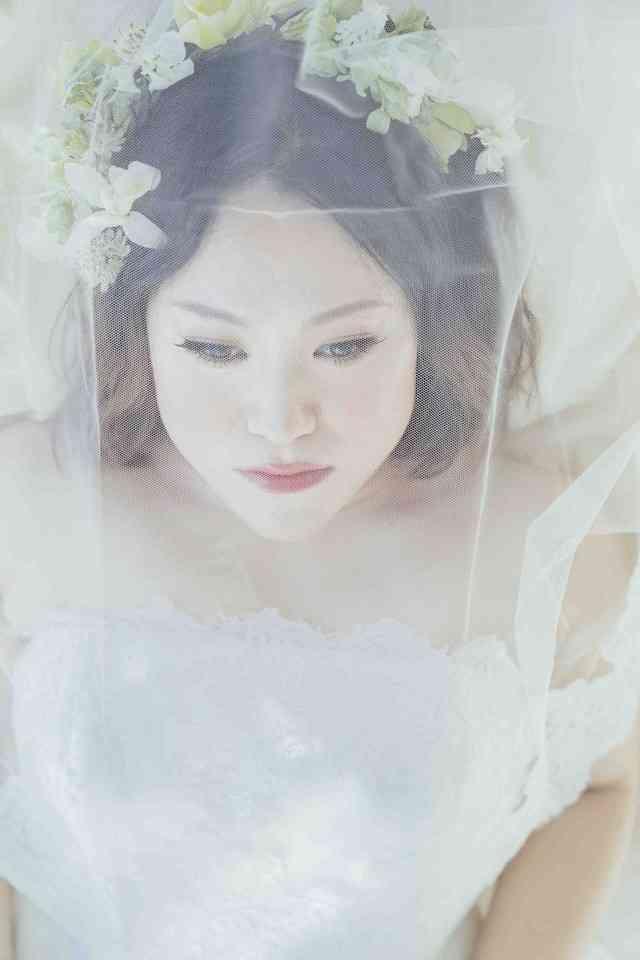 バービー「ゼクシィ」で小顔な花嫁に、結婚式はヌーディストビーチでやりたい - お笑いナタリー