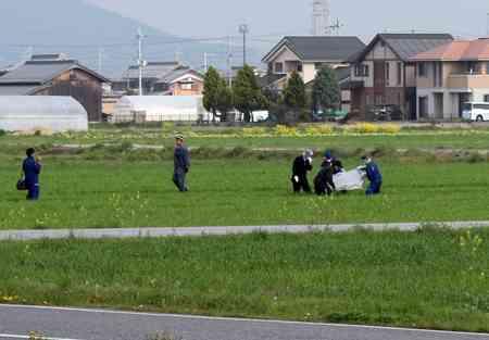 逮捕の巡査、逃亡中に衝突事故 滋賀・警官射殺事件