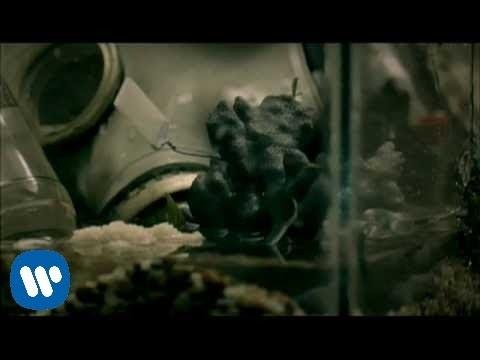 Green Day - 21 Guns [Official Music Video] - YouTube
