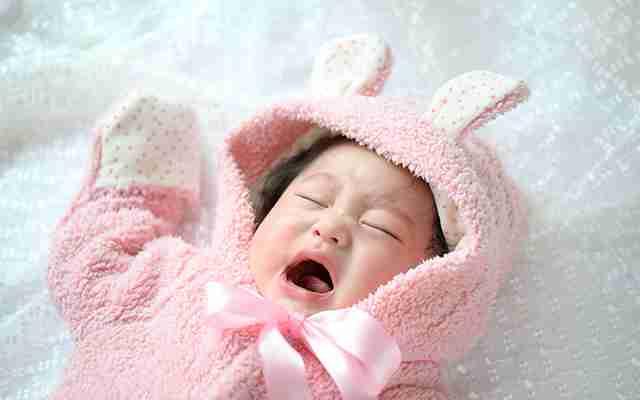 赤ちゃんの夜泣きは日本だけ!? 実はこうすれば良かった  –  grape [グレイプ]