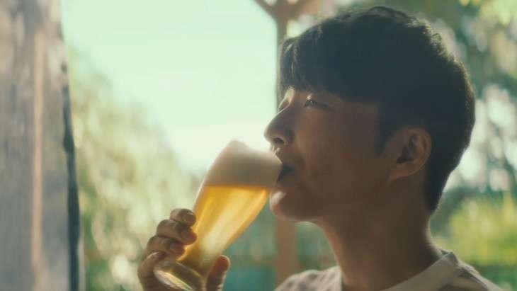 風呂上がりの星野源、新CMで「僕も好きです」とノンアルビールを味わう - 音楽ナタリー
