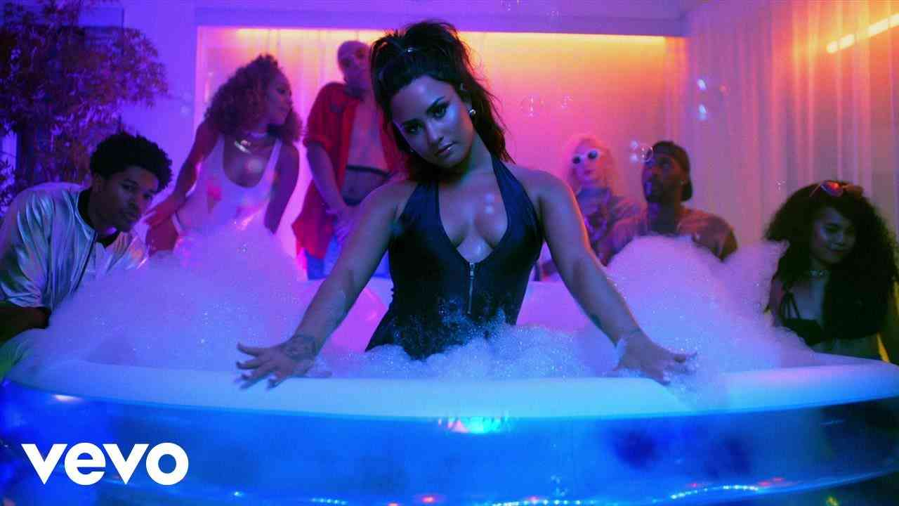 Demi Lovato - Sorry Not Sorry - YouTube