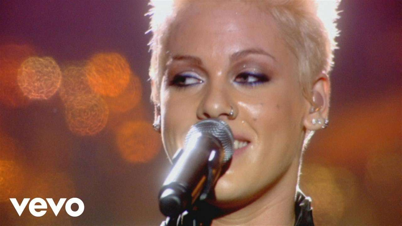 P!nk - Who Knew (from Live from Wembley Arena, London, England) - YouTube