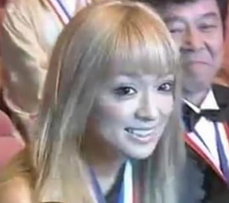 """浜崎あゆみ、""""即落ち""""の寝顔動画公開で「ちょーレア」「寝顔も可愛いすぎる」"""