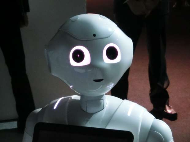 和田アキ子、AIロボット・ペッパーの苦情を伝えるため、ソフトバンクの「孫さんに直接会いたい」