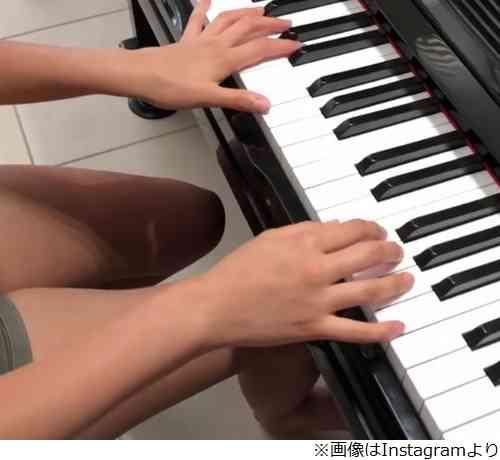 木村拓哉&工藤静香次女・Koki,がピアノ動画、声にも反響
