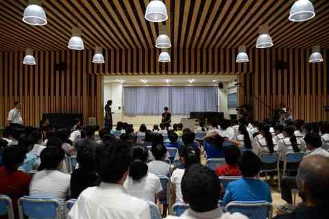 羽生結弦選手が来校しました!! - 福島県双葉郡楢葉町立楢葉中学校ニュース・ブログ