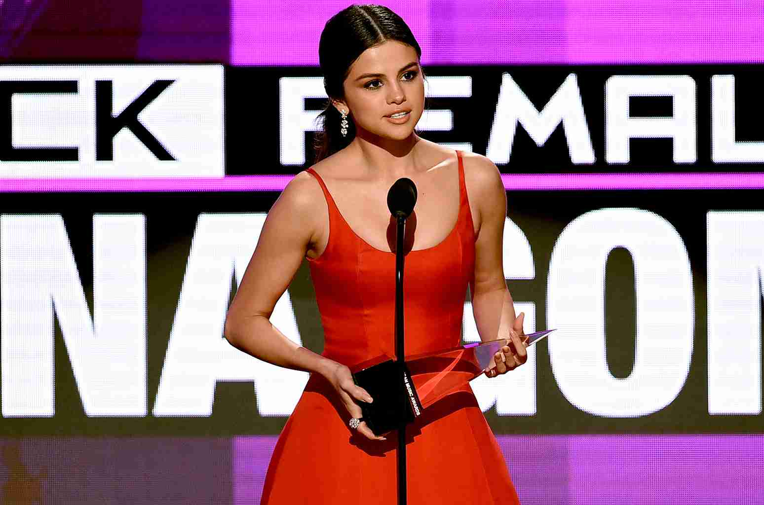 Selena Gomez's Acceptance Speech at the 2016 AMAs: Watch | Billboard
