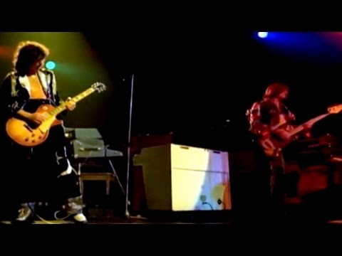 Led Zeppelin - Black Dog (Live Video) - YouTube