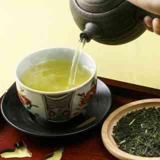 夏でも熱いお茶いれて飲みますか?