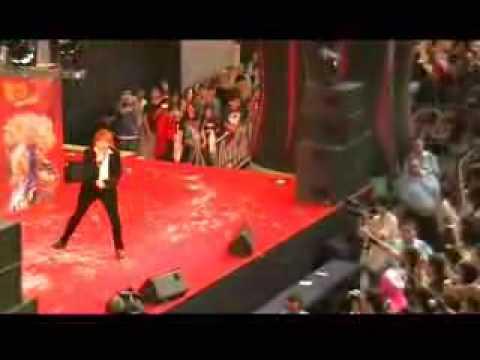 影山ヒロノブ スペインでのコンサート - YouTube