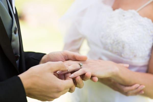 「結婚で何がそんなに変わる?」 独身の率直な疑問に既婚者は…