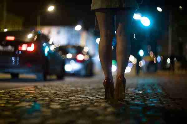 霊がついてくる…夜、「帰り道でしてはいけない」コト4選 — 文・脇田尚揮 | ananweb - マガジンハウス